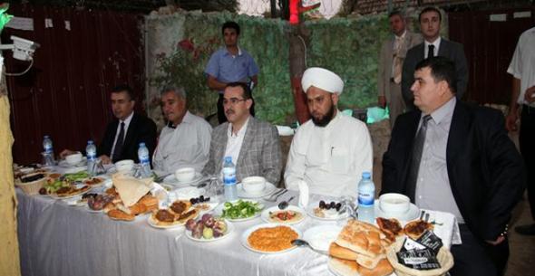 Adalet Bakanı Ergin, Suriyelilerle İftar Yaptı.